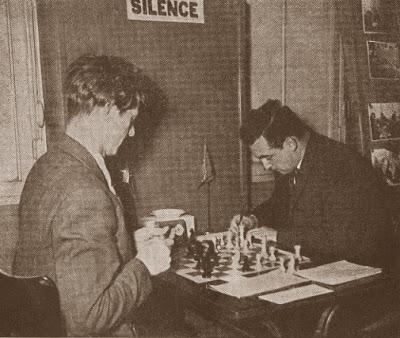 Partida de ajedrez Mark Taimanov (URSS) - Torbjoern Graveth (Noruega)