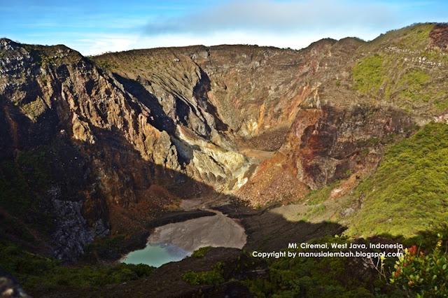kawah gunung ciremai