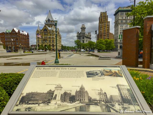 Eire Canal y Clinton Square - Syracuse, NY por El Guisante Verde Project