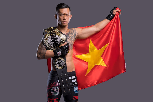 Martin Nguyen proudly wears the Vietnam Flag