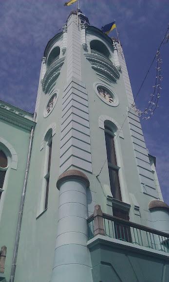 Мукачево. Площадь Кирилла и Мефодия. Ратуша. Часовая башня
