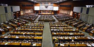 dan Perbandingan Sistem Pemerintahan Presidensial dan Parlementer Perbedaan Sistem Pemerintahan Presidensial Dan Parlementer