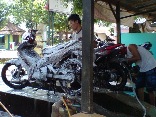 Peluang Usaha Cuci Motor Salju