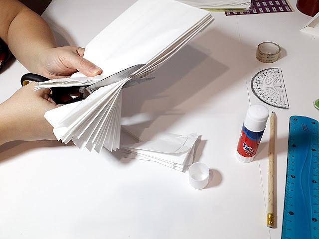 odetnij rog torebek papierowych - ozdoba na swieta