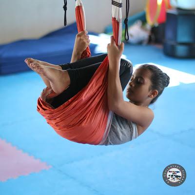 aeroyoga, yoga, niños, kids, aero kids, infancia, maestros, profesores, teacher training, certificacion, acreditacion, profesorado, actividades, clases, escuelas, educacion, columpio, hamaca, trapeze, fly, flying