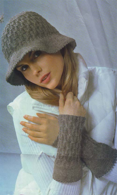 free knitting pattern: women's knit beret models