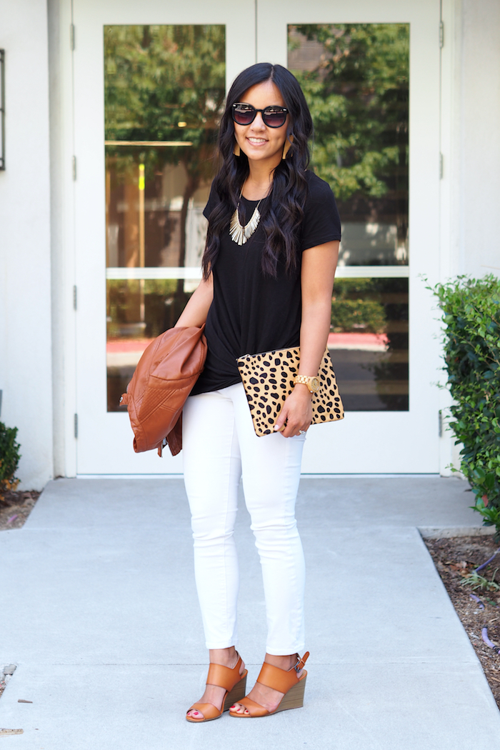 black twist tee + white jeans + cognac + leopard print