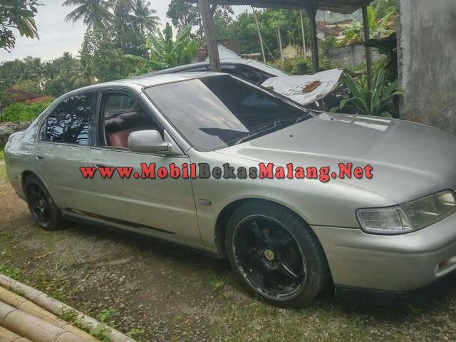 mobil bekas malang