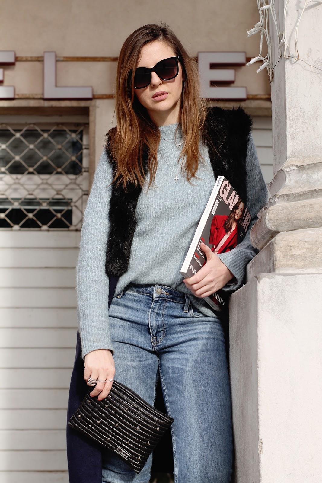 gilet lungo e maglione outfit