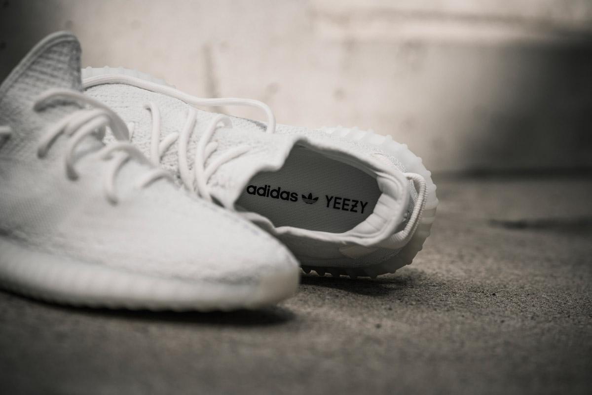 b6534bcef6c4 EffortlesslyFly.com - Online Footwear Platform for the Culture ...