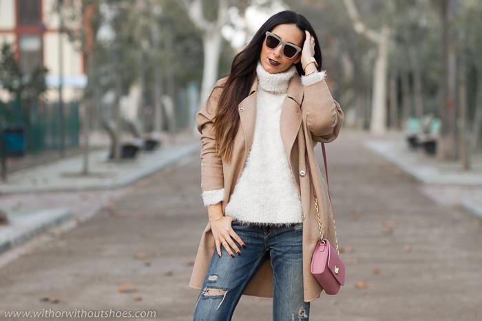Bloguera influencer de moda de Valencia con maquillaje labios oscuros
