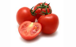Buah Tomat Berdasarkan Khasiat dan Kandungannya