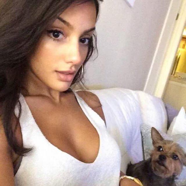 10 Foto Hot Brittney Alger Paling Banyak Di Cari Netizen Dan Sempat Viral