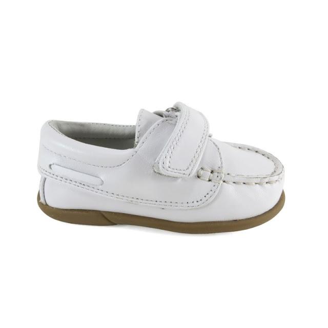 https://www.zapanines.es/nauticos-mocasines/439-zapato-nauticos-nino-blanco-piel-velcro-dbebe-1340522207310.html