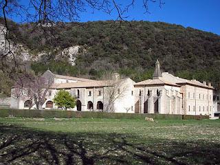 211 Turismo Navarra Promociona el Turismo a Través del CineMonasterio Iranzu   www.casaruralurbasa.comEl Turismo de Navarra promociona el Turismo Rural, a través del cine, con el objetivo de dar a conocer la belleza y atractivo del patrimonio existente en la Comunidad Foral de Navarra.