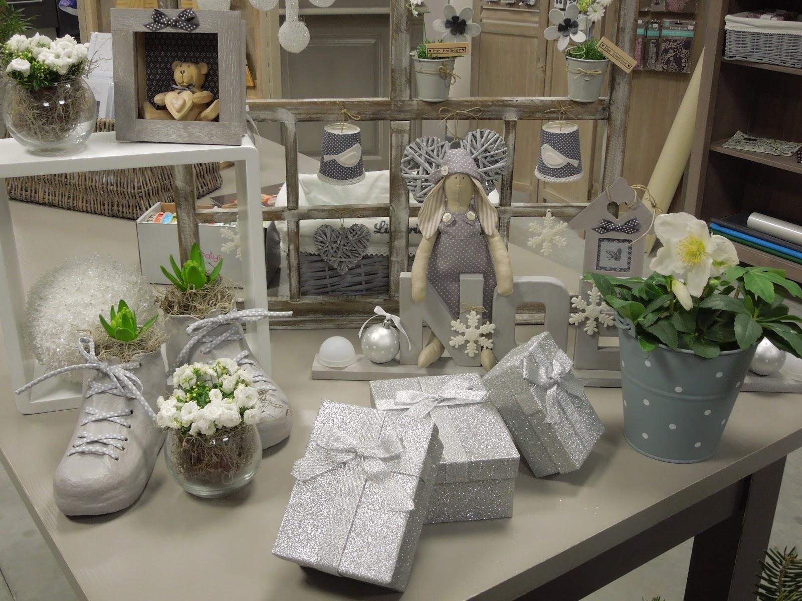 deco noel gris et blanc. Black Bedroom Furniture Sets. Home Design Ideas