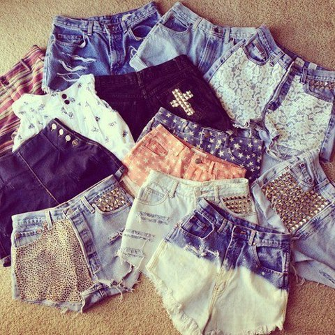 tachas; shorts;jeans