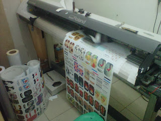 mesin digital printing sticker cutting