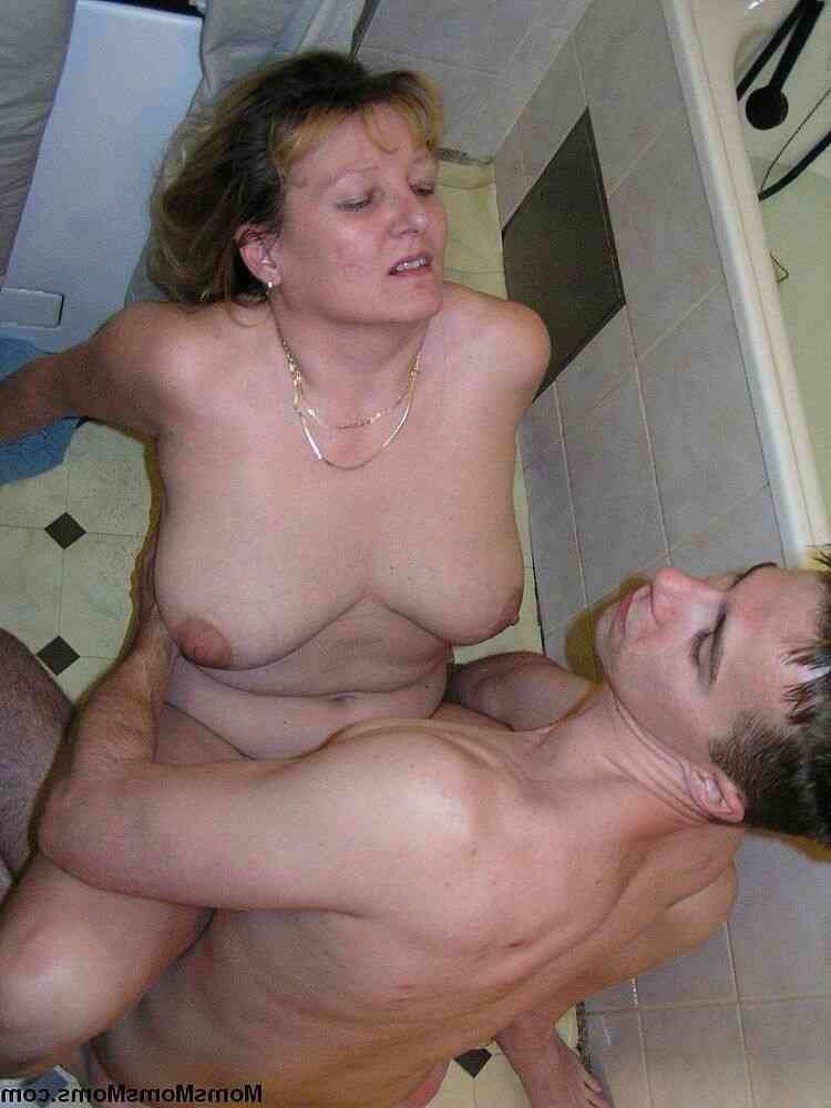 poto2 mom end son sex