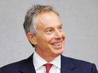 Subhanallah! Tony Blair Kini Rajin Baca Al-Quran