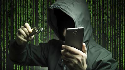 بالفيديو شاهد كيف يمكن اختراق ملايين هواتف الاندرويد باستعملا اوامر سرية
