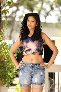 Cute charming Model pic, young Model pic, lovely Indian Model girls pic