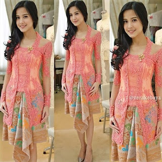 model kebaya simple artis