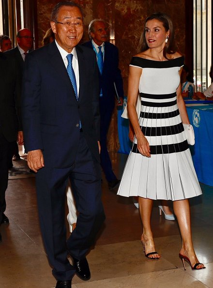 Queen Letizia wore Carolina Herrera Striped Off-The-Shoulder Knit Dress and Carolina Herrera Shoes from Spring Summer 2014