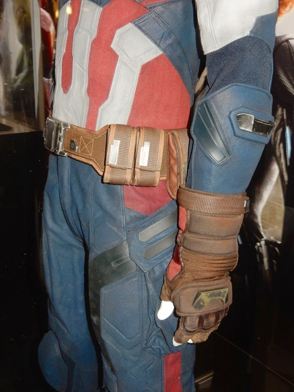 Captain America costume glove Avengers Age of Ultron