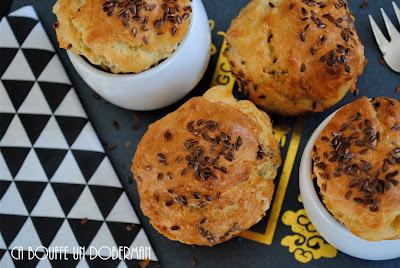 http://cabouffeundoberman.blogspot.fr/2017/05/muffins-au-roquefort-chevre-et-gruyere.html