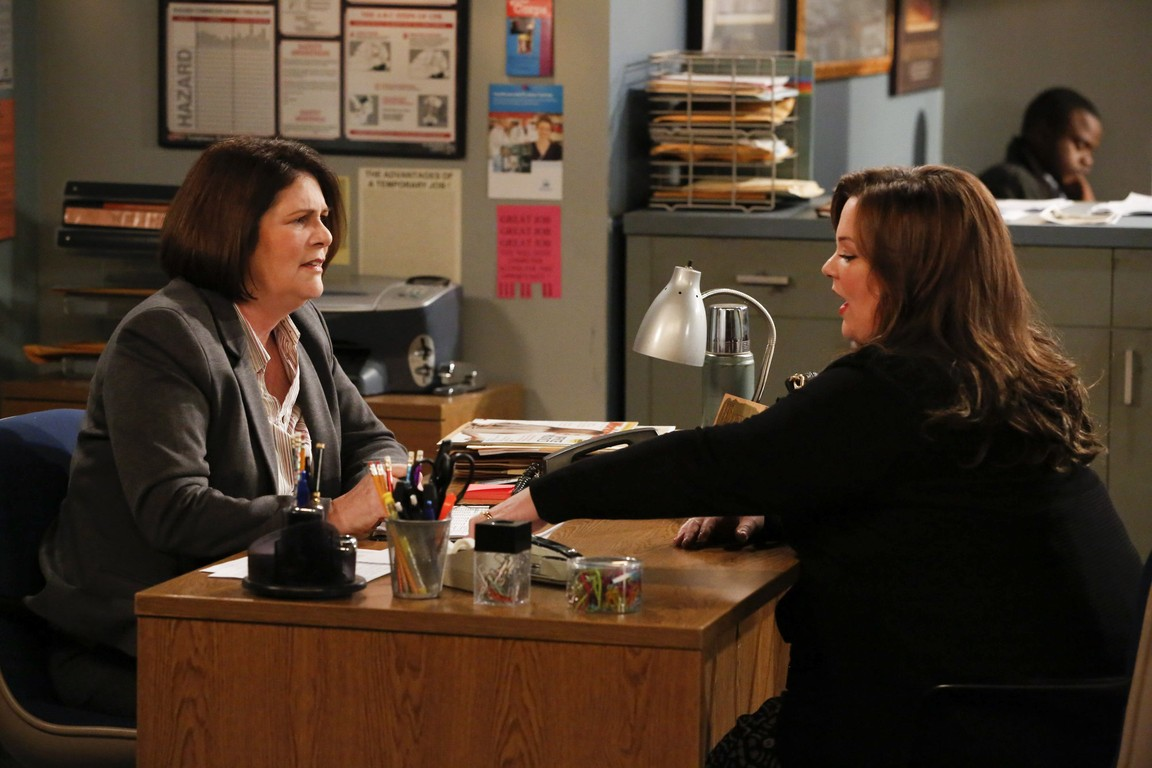 Mike & Molly - Season 4 Episode 7: They Shoot Asses, Don't They?