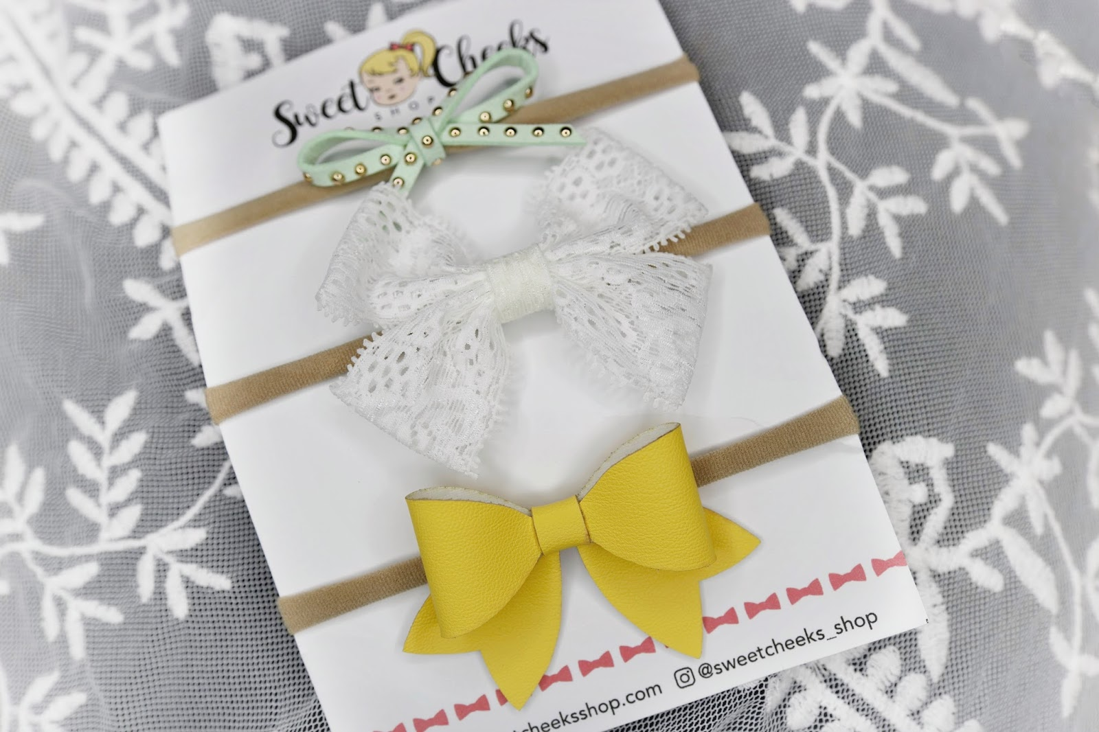 Sweet Cheeks Shop April Spring 2018 bow subscription monthly unboxing review