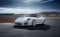 Limited edition racing car: Porsche 911 GT3 RS 4.0 front