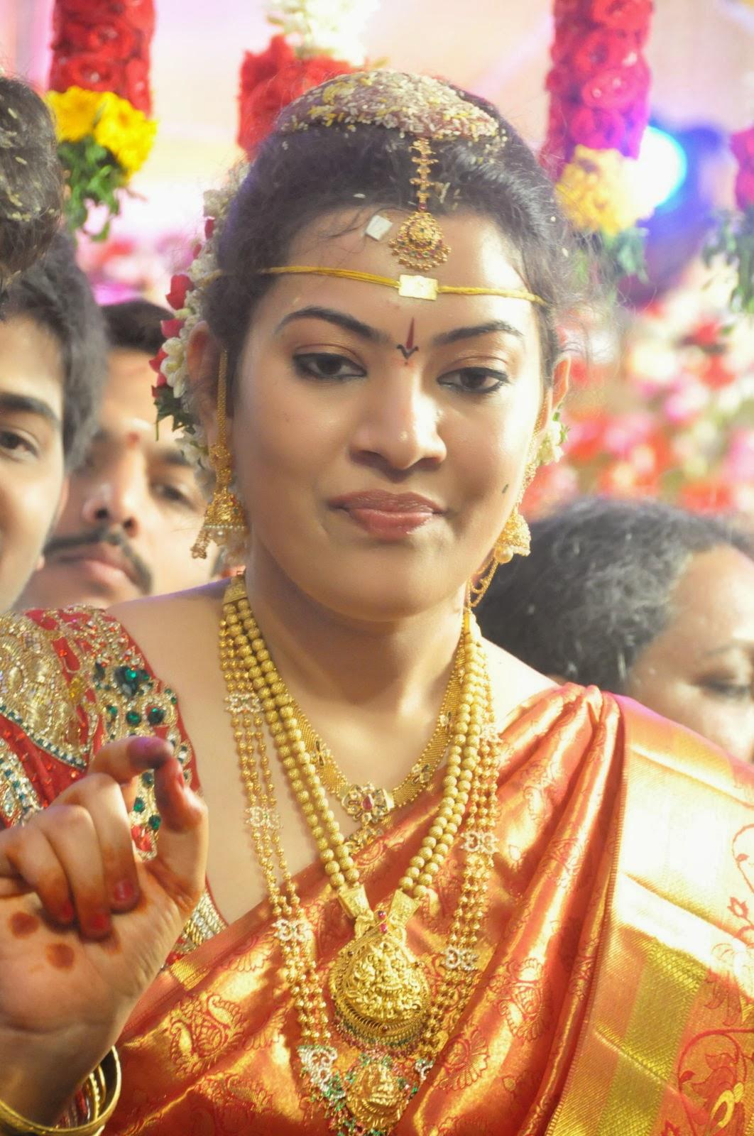 Kareena Kapoor New Hd Wallpaper Geetha Madhuri And Nandu Marriage Photos No1hdwallpapers