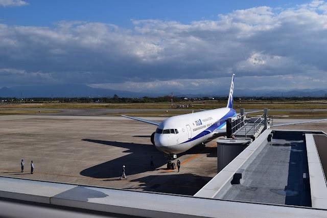 ANA1087便 米子鬼太郎空港到着