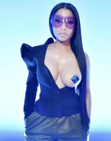 Nicki Minaj nipple pasties and nipslip