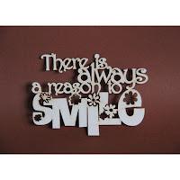 https://www.filigranki.pl/napisy/927-tekturka-napis-there-is-always-a-reason-to-smile.html