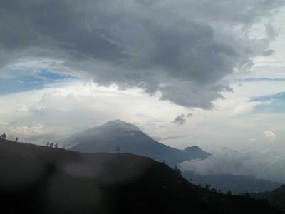 View Sindoro Dari Kaki Gunung Prahu