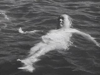 Mao Zedong swim in Yangtze River