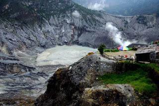 cerita dan sejarah gunung tangkuban perahu