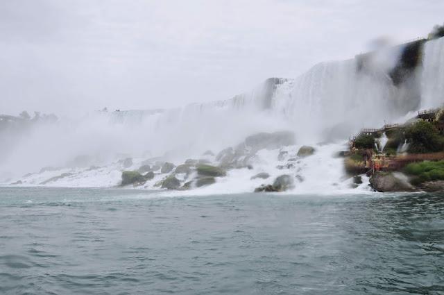 American Falls and Bridal Veils Falls @ Niagara Falls, Ontario, Canada