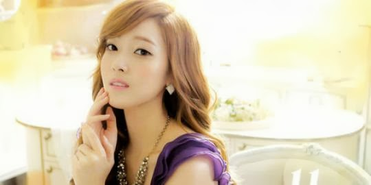 Sedang Di Make Up, Jessica SNSD Sapa Fans !