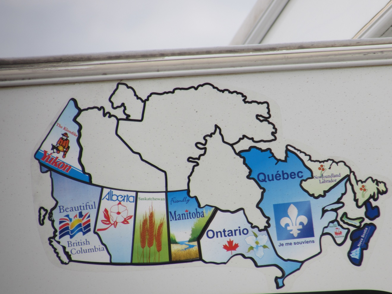 on friday morning we took pictures of the maps we have finally put on the slideout they show all of the provinces and states that we have been in with the