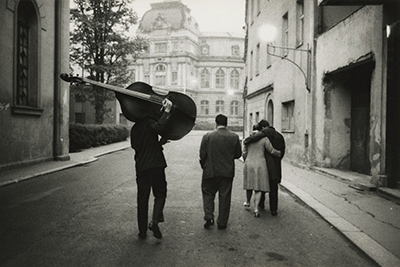 http://undr.tumblr.com/post/154736371982/marc-riboud-karlo-vivary-1962