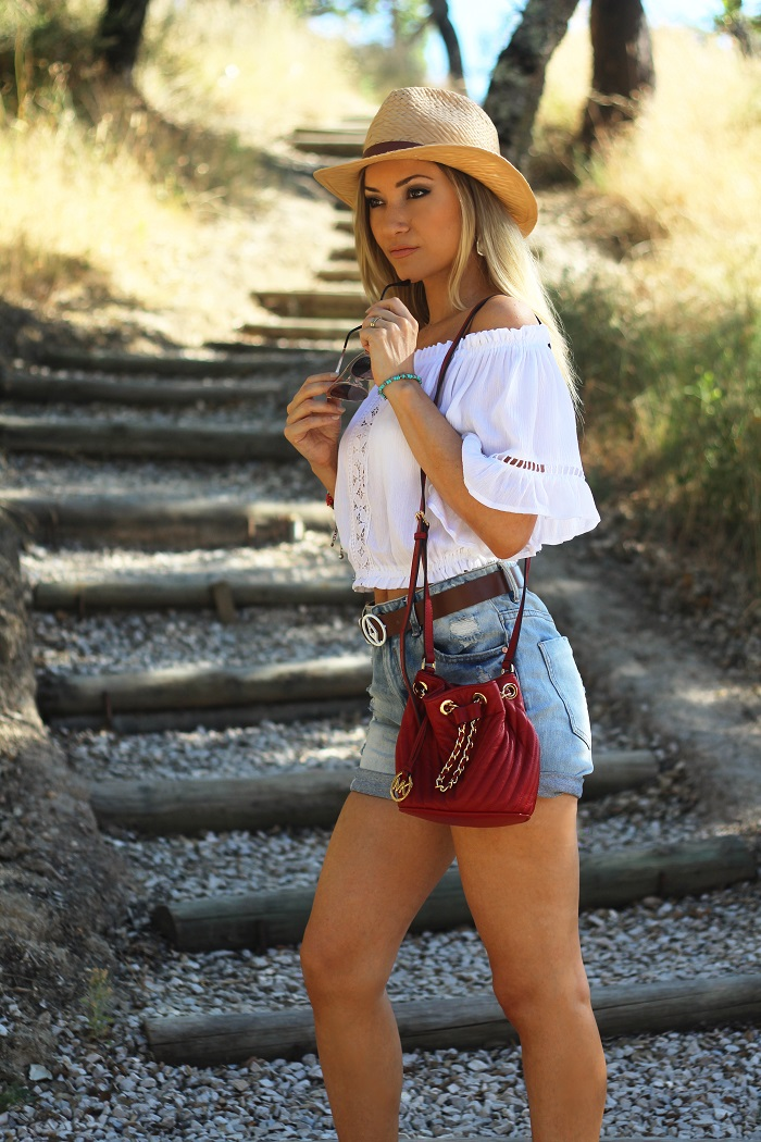 Entrámos no Outono, mas hoje deixo aqui um Look que usei neste Verão, aquando da minha estadia na Herdade do Moinho Novo... Outfit. Boho Chic. Michael Kors bag. Emporio Armani belt. Style Statement. Blog de moda portugal