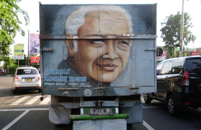 Enak Zaman Soeharto atau Jokowi? Jawaban Kakek Ini Bikin Ngakak
