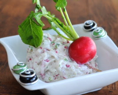 Easy-Easy Radish Spread, just radishes, green onion and cream cheese. Creamy with a little bit of radish heat!