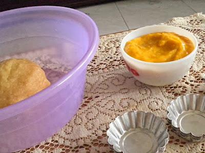 Mini Pumpkin Tarts  @ treatntrick.blogspot.com