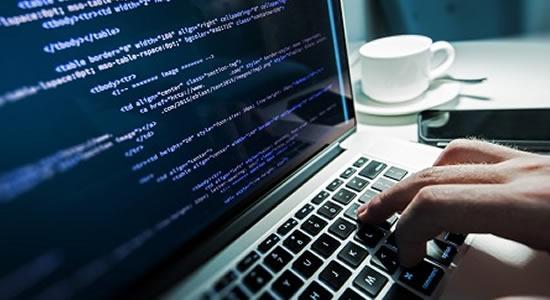 Programação é o novo inglês: linguagem dos computadores será essencial no futuro