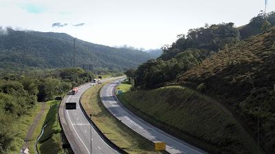 Tecnologia e gestão ambiental norteiam projeto que redefine traçado da rodovia em seu segmento mais desafiador, a Serra do Cafezal - Divulgação